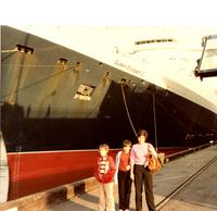 A visit to the QE2 in San Pedro